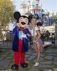 Comfortable For Disneyland by Julianne Hough And Fianc 233 Laich Take Niece And