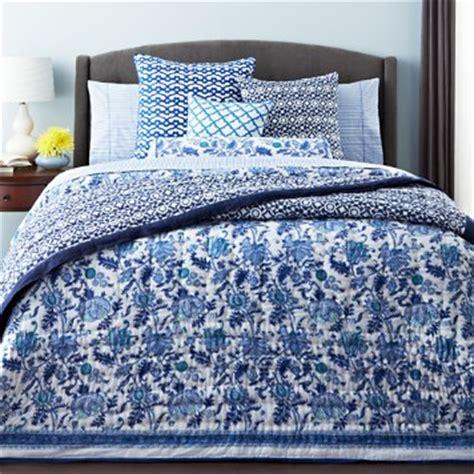 bloomingdale s bedding sale roberta roller rabbit quilt 33 best rabbit quilts images
