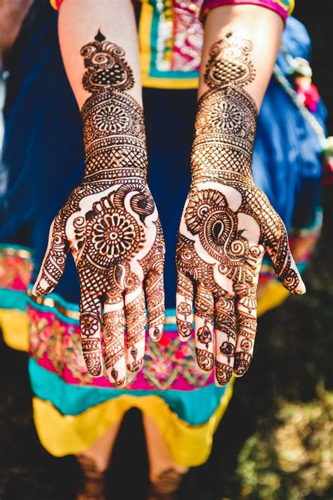 indian wedding henna tattoos meaning 17 best images about mehndi gaye holud on