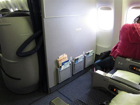 bulkhead seats in airplane the advantages and disadvantages of bulkhead seats