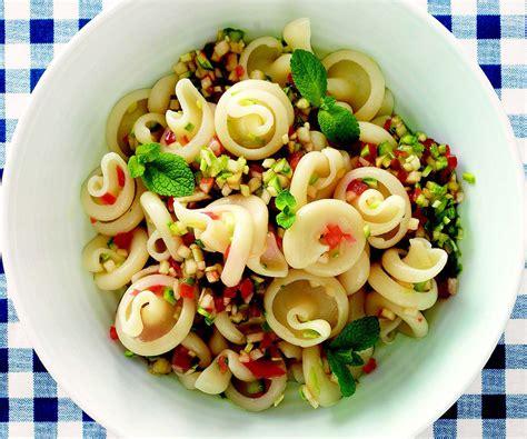 cucina fredda ricetta pasta fredda con crudit 224 le ricette de la cucina