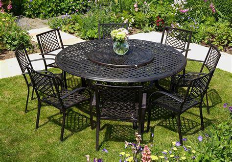 tavoli rotondi da giardino tavoli da giardino tanti modelli recensiti in legno