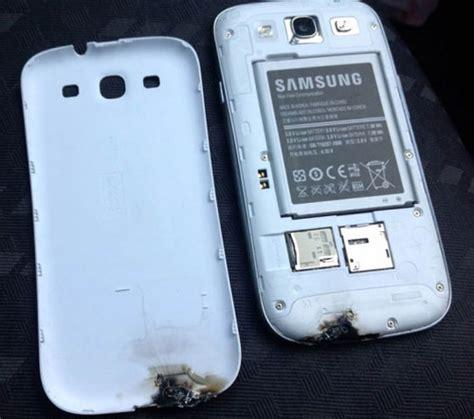Hp Samsung S3 Mini Di Palembang un samsung galaxy s3 prend feu tout seul 224 bord d une voiture