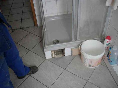 Dusche Schimmel Silikon by Nu 223 Loch Undichte Silikonfuge An Dusche Zum Thema Dusche