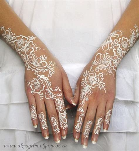 henna tattoo hand white best 25 white henna ideas on henna tattoos