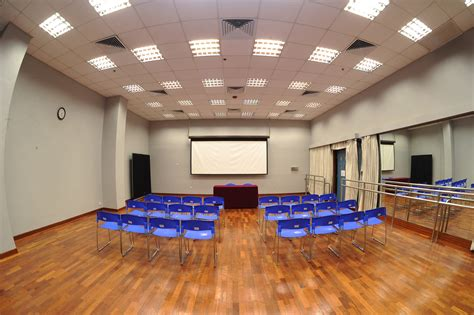 the ngau chi wan civic centre lecture room