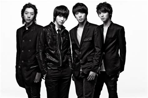 sketchbook jung yong hwa cnblue on conflicts musical differences with agency