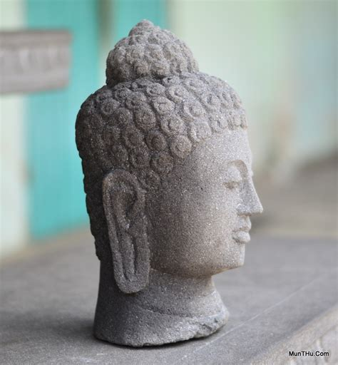 arca patung kepala budha candi borobudur batu alam merapi munthucom
