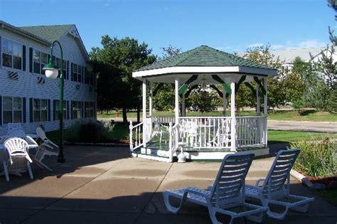comfort suites at living history farms hotel renovo urbandale ia hotel reviews tripadvisor