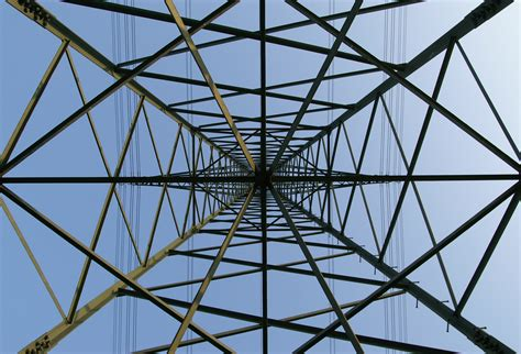 tralicci media tensione file apowerlinetower jpg wikimedia commons