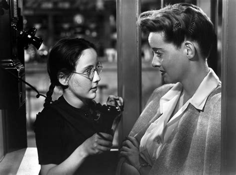 bette davis mother now voyager