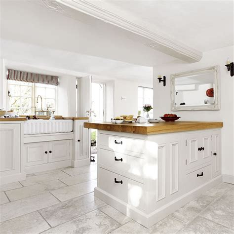 white country style kitchen with peninsula decorating