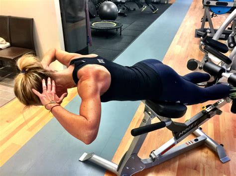 back extension bench exercises the roman chair not just for lumbar extensions susansweats