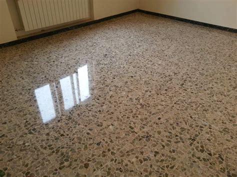 levigare pavimento levigatura lucidatura pavimenti marmo e a venezia