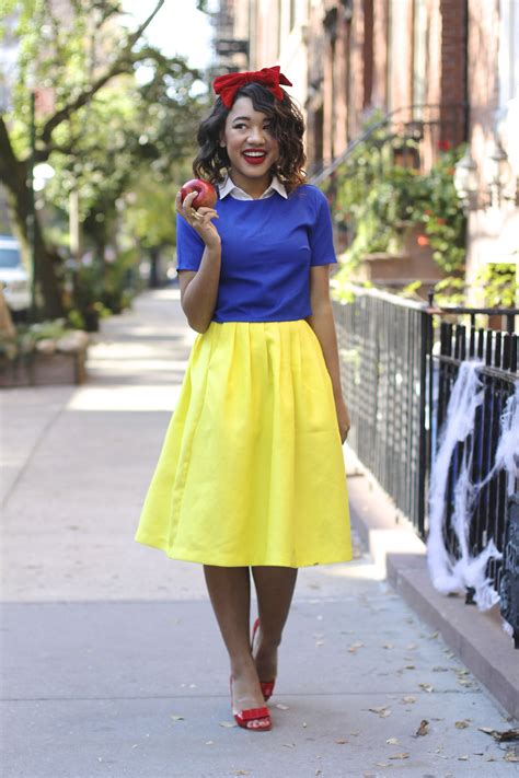 costumes for diy easy do it yourself snow white costume via colormecourtney diy