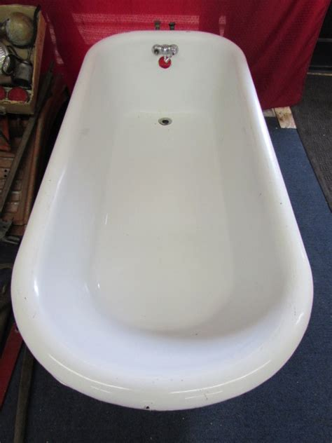 enameled cast iron bathtub lot detail large cast iron porcelain enameled claw foot