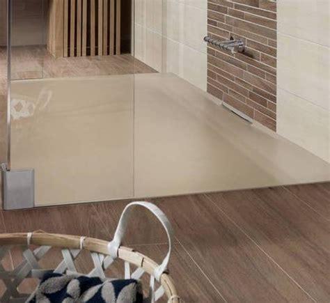 glasierte fliesen moderne badezimmer einrichten mit dusche bodengleich in