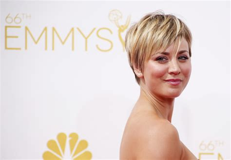 penny with short hair kaley cuoco still criticised for her hair cut fans hate