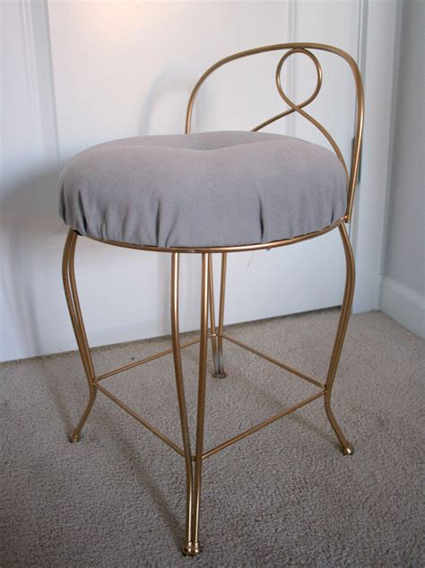 How To Make A Vanity Stool by Furniture Re Do Pretty Vintage Vanity Stool Create Enjoy
