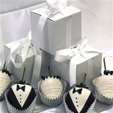 chocolate wedding favour ideas uk wedding favour ideas the definitive list of 40 best