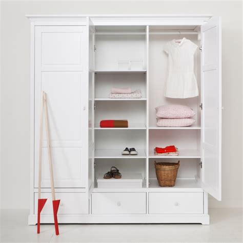 Wardrobe On R by Luxury 3 Door Wardrobe In White Oliver Furniture