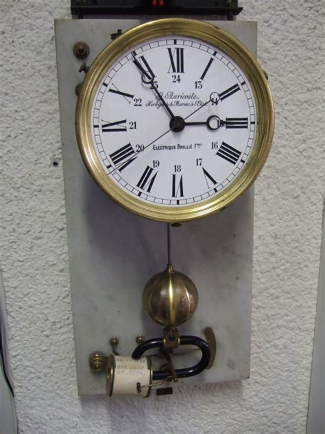 horloge electrique horloges 233 lectriques brilli 233