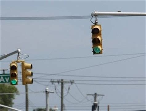 How Big Is A Traffic Light by New Staten Island Traffic Light Is A Big Deal In Port