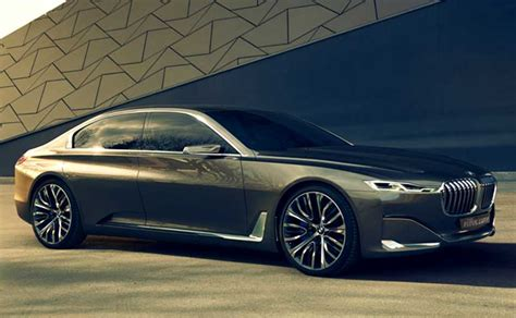 bmw  series   electric  sedan  debut