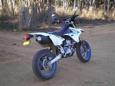 Bikepics Suzuki Bikepics 2010 Suzuki Drz400sm