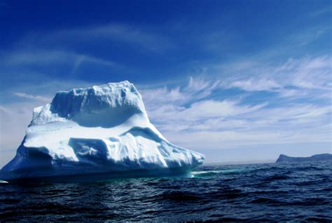 titanic boat iceberg new research discovers titanic iceberg was 100 000 years old
