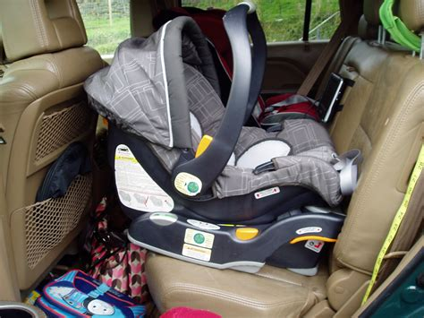 fitting a baby car seat chicco key fit 30 a carseat s