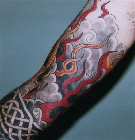 tattoo old school fire 58 incredible flame tattoos