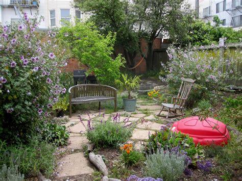 Dirt Backyard Ideas Backyard Dirt Backyard Makeover Backyard Ideas On A Budget Cheap Backyard Landscaping Ideas
