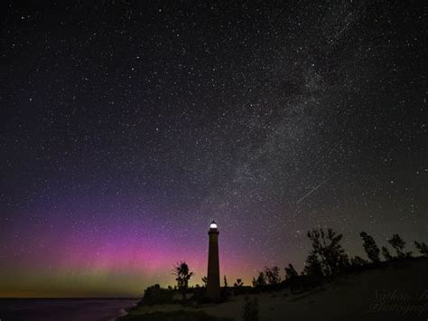 Northern Lights In Michigan by Must See Northern Lights Appear Michigan S Mackinac