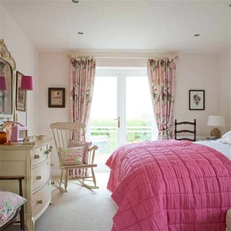 pink curtains for bedroom pink feminine bedroom bedroom design curtains