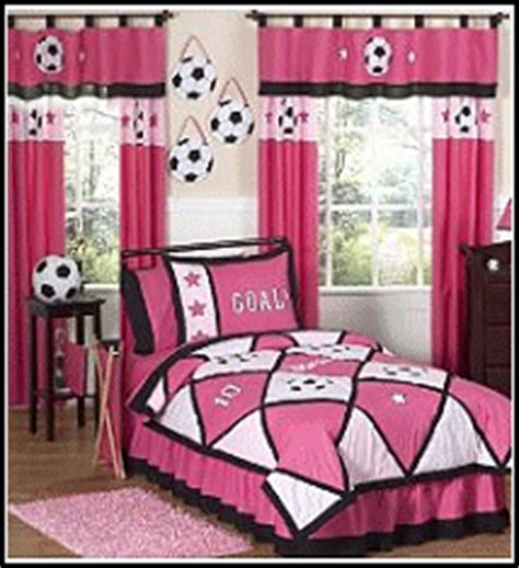 soccer bedrooms for girls girls sports theme bedroom decorating ideas sports girls