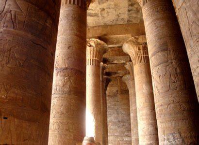 len in der decke edfu tempel des horus