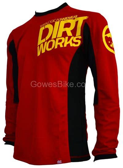 Baju Gowes Surabaya jersey sepeda dirtworks minion merah hitam jual baju jersey celana sepeda mtb