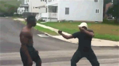 Hm Fights The Fight by Week Things Gif Find On Giphy