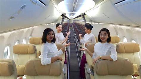 malindo air  flight attendants strip   bra  interviews thinks  airlines