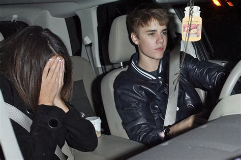 Guess Spot Giving Paparazzi The Finger by Cele Bitchy Justin Bieber Apologizes For Flipping The