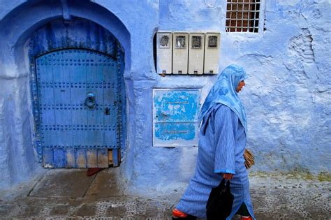 the blue city morocco photoblog the blue city of chefchaouen morocco peregrine adventures