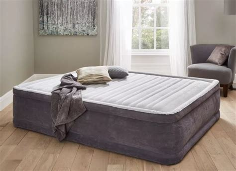 futon vs air mattress sofa bed shootout comparison darlings of chelsea