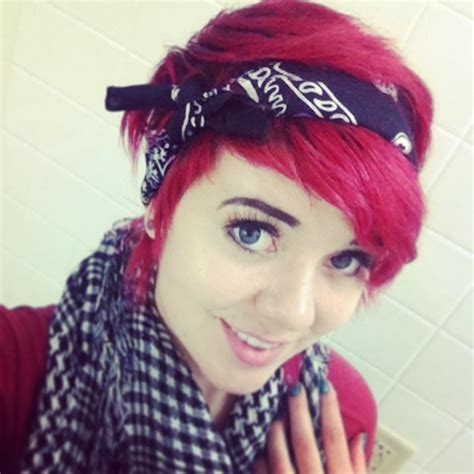 how to wear a bandana with short hair short red hair pixie cut and styled with a black bandana