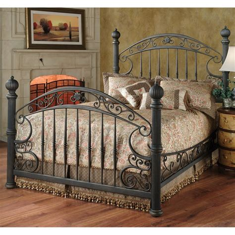 Iron Bedroom Sets by Best 25 Wrought Iron Beds Ideas On Iron Bed