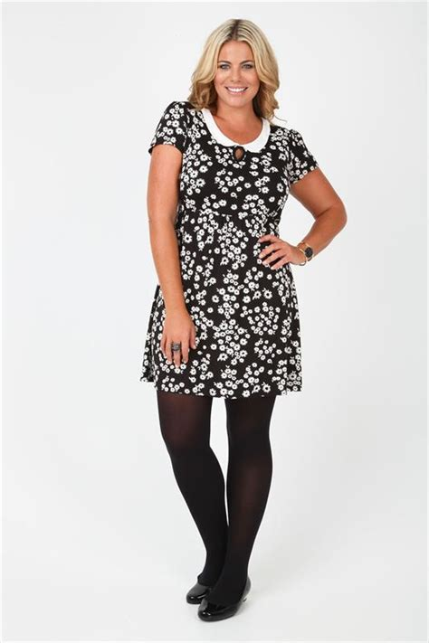 black and white patterned jersey dress black white daisy print jersey dress with peter pan