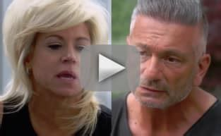 theresa caputo wedding date hunting themed engagement photo goes viral see it here
