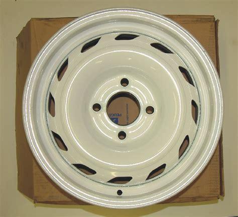 peugeot steel wheels peugeot sport 106 205 rallye white steel wheel 5 5x14 ebay