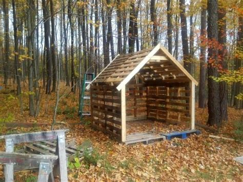 Pallet Sheds by 1000 Ideas About Pallet Shed Plans On Pallet