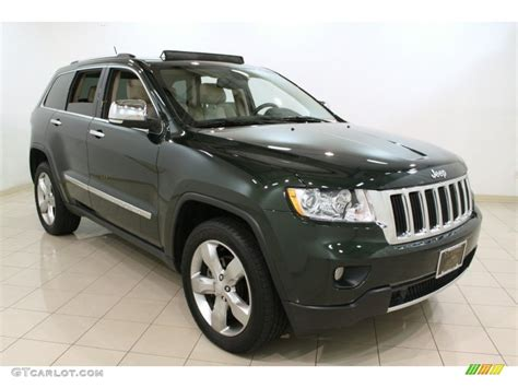 green jeep cherokee 2011 natural green pearl jeep grand cherokee limited 4x4